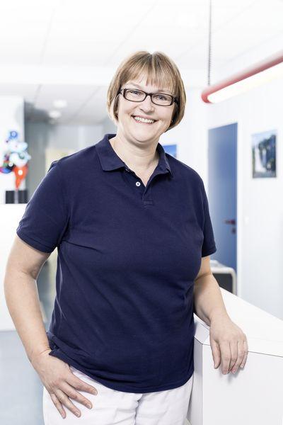 Zahnarzt Praxis Garbsen - Zahnmedizinische Fachangestellte Prophylaxeassistentin Anja Bollhorst