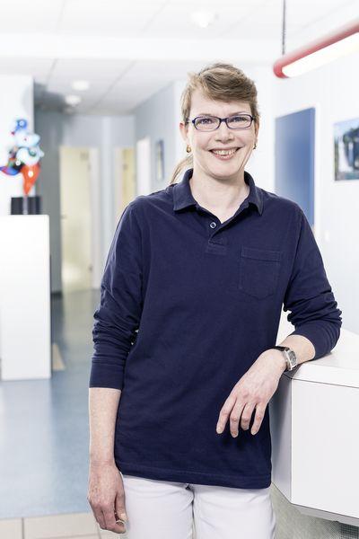 Zahnarzt Praxis Garbsen - Zahnmedizinische Fachangestellte Qualitätsbeauftragte – QM Prophylaxeassistentin Carmen Lichtenberg